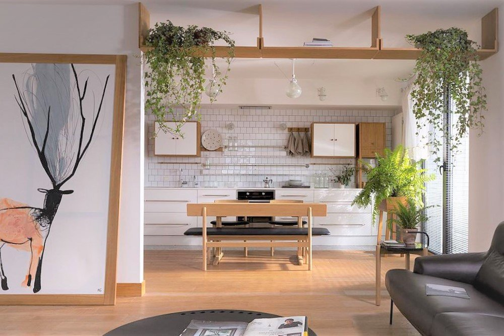 5 types of interiors that benefit from artificial greenery