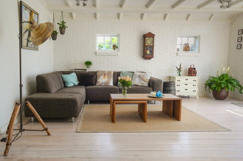 What are the benefits of engineered oak flooring?